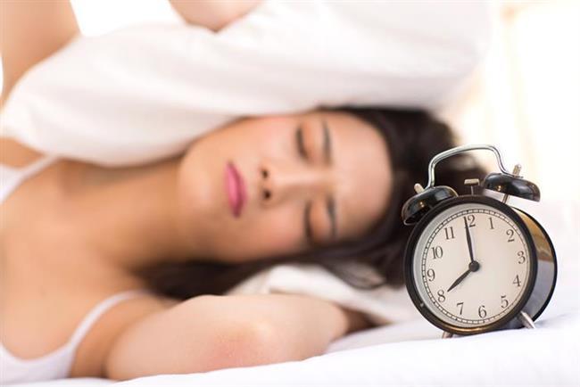 1. Depresyonda mısınız?   Halsizlik, yorgunluk başağrısı, iştahsızlık en sık rastlanan bulgularıdır.   2. Yeterli ve kaliteli uyku en son ne zaman uyudunuz?   Yetişkinler ortalama günlük 7-8 saat uyku uyumalılar. Büyüme gelişme çağındaki çocuklar ise 9-10 saatten daha az uyumamalıdır. Uykusuzluk vücudun uykuda yenilenmesi işleminin yeterince yapılamamasına sebep olduğunu biliyor muydunuz?  Doç. Dr. Haluk Sargın