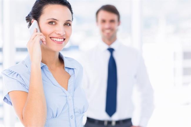 • Ofiste: Her telefon geldiğinde ayağa kalkarak konuşun. Ofiste size en uzak olan tuvaleti kullanın. Ayrıca daha fazla su içmeye özen gösterin. Böylece hem susuz kalmaz, hem de tuvalete gitmek için daha çok ayağa kalkmak zorunda kalırsınız.