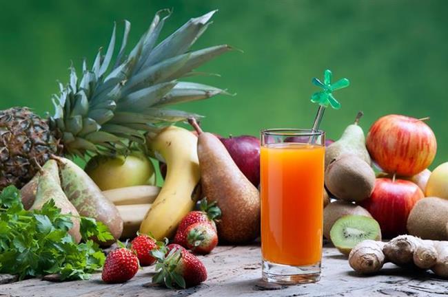 PAZAR  Güne büyük bir bardak limonlu ılık suyla başlayın.   Kahvaltı - Bir kase meyve salatası veya bir bardak meyve suyu.