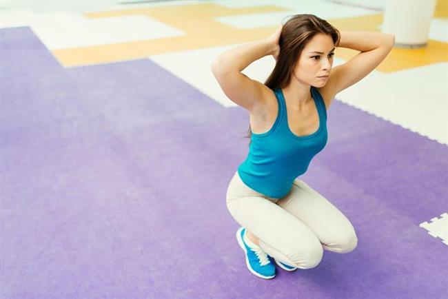 UFAK HAREKETLER   Mesela 10 kere aşağı iniyorsanız bunun 5'ini merdivenle yapmayı deneyin. British Journal of Sports Medicine'de yer alan makaleye göre günde 5 kere merdiven inip çıkan kadınların kondüsyonu 8 hafta sonunda artıyor ve aynı şekilde metabolizma da hızlanıyor.