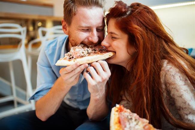 İlişkiniz altı aylıksa  Cicim ayları, kabul etseniz de etmeseniz de bitti! Bu saatten sonra artık aileniz ve arkadaşlarınız sizi tam bir çift olarak görüyor. Asıl mesele siz kendinizi sevgilinizin hayatının bir parçası olarak görüyor musunuz?