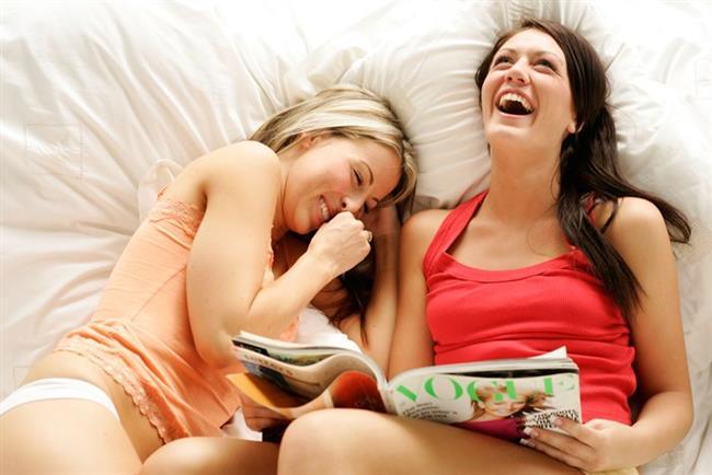 2. Gözünden yaş gelene kadar gülmek