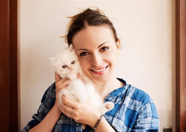 4. Kedi ya da köpek sevmek