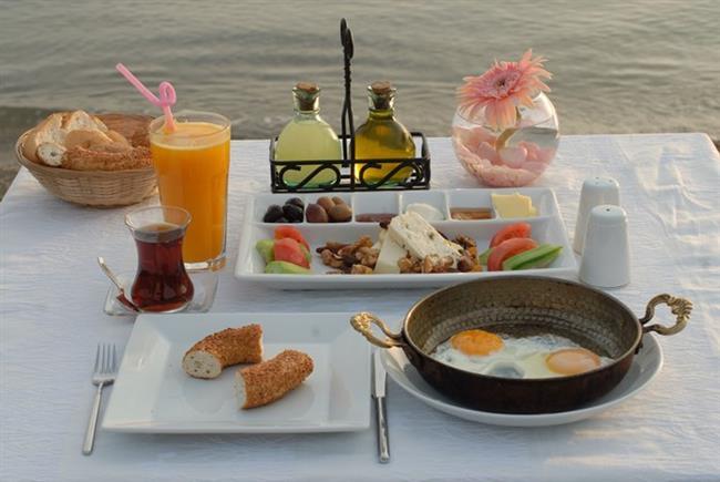 8- Kahvaltınızı kuvvetli aksam yemeğinizi çok hafif yemeyi tercih edin.