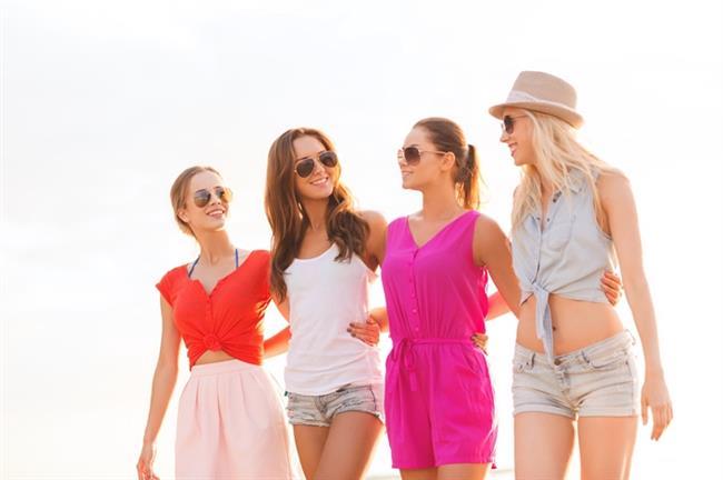Çok fazla kazıklanmış olsan da, arkandan konuşulmuş olsa da unutma en yakın arkadaşların her zaman kadınlardır.