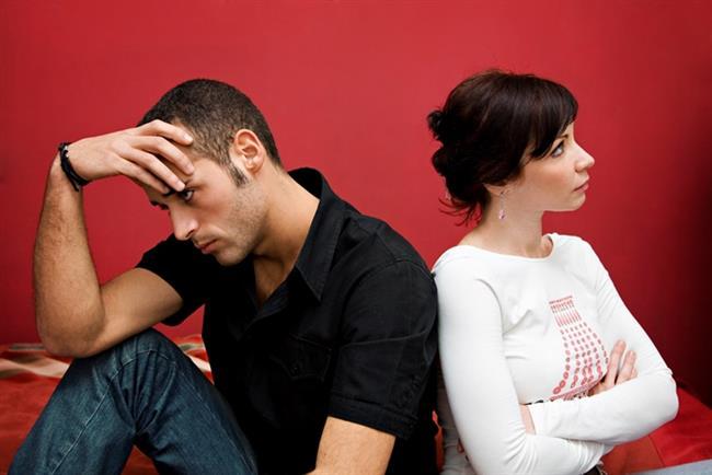 """""""Seni terk ediyorum""""   Genelde : İlişkiyi bitirmenin en net yolu.   Sizin için artık : Sevgilinize savurduğunuz asılsız tehdit."""