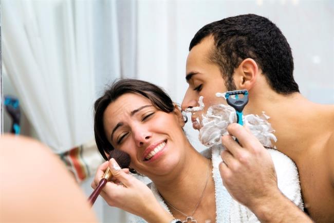 """Dürüstlük   Genelde : İlişkiden ne beklediğinize dair transparan ve açık olmak.   Sizin için artık : İş görüşmesine giden sevgilinize """"nefesin leş gibi kokuyor diş fırçala"""" demek."""