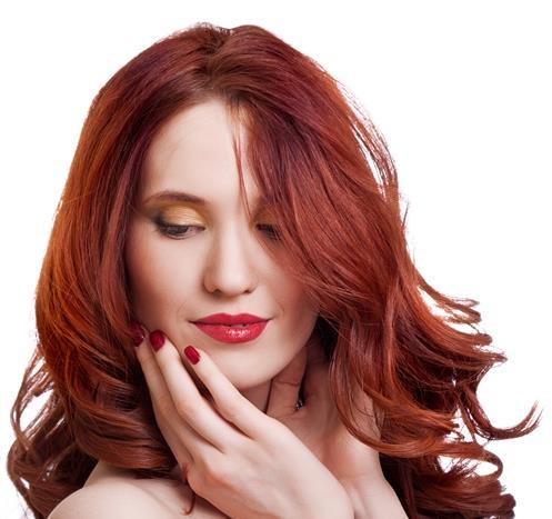 """""""Kızıl saçlı kadınlar kırmızı ruj kullanmamalılar."""""""