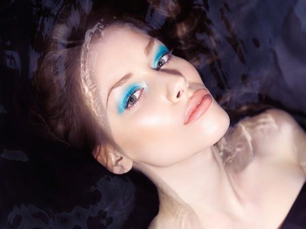 Gözlerde maviden laciverte kadar her tonu rahatlıkla kullanabiliyorlar.