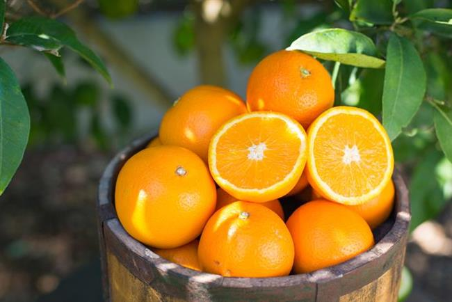 Portakal  C vitamini içeriği yüksek olan portakal bağışıklık sisteminizi güçlendirirken; stres hormonlarının seviyesini de frenleyebilir. Yapılan araştırmalara göre stresli bir görev öncesi C vitamini alan bireylerde yüksek kan basıncı, kan basıncı ve kortizol (stres hormonu) düzeylerinin daha hızlı normale döndüğü görülmüştür.