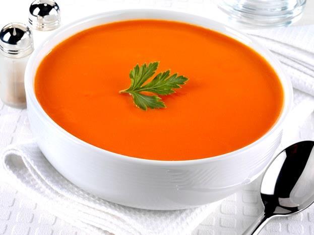 1 kase domates çorbası   1 kase domates çorbası yaklaşık olarak 74 kalori ama tabii üstüne kaşar peyniri rendelememeniz ve yanında ekmek yememeniz kaydıyla.