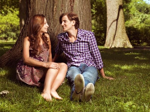 25- Kendini berbat hissettiğin zamanlarda bile, ne kadar güzel olduğunu söylüyorsa,   26- İkinizin geleceği ile ilgili planlar yapıyorsa,   27- Seni kıskanıyorsa,