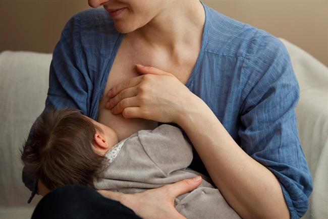 Göğüslerinizin Boyutu Bebeklerin Umurunda Değil   Küçük göğüslü kadınların en büyük endişelerinden biri de bebeğini doyuramamak. Oysa süt kanallarının göğüsteki yağ dokusuyla ilgisi yok. Yani büyük göğüslü bir kadınla küçük göğüslü bir kadının emzirme yeteneği arasında fark yok.