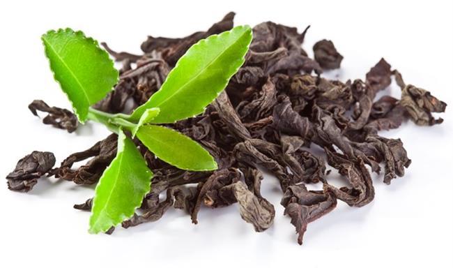 En zengin antioksidan kaynağı olarak gösterilen yeşil çay, aknenin doğal tedavisinde kullanılıyor. Cildi sıkılaştırıcı etki gösteriyor.