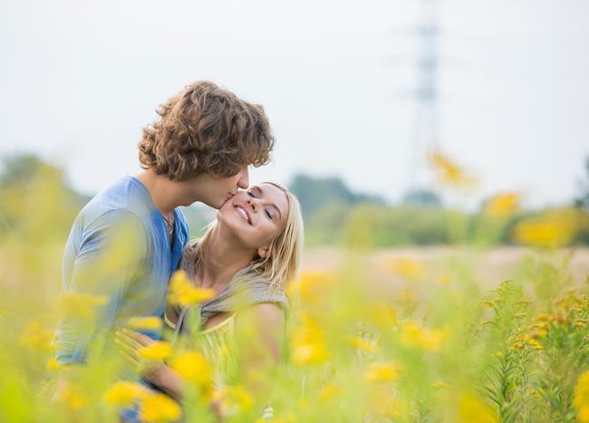 """Yeniden aşık olmak   """"Yok abi bundan sonra işim olmaz"""" diyeceksiniz ama yine kalbinizi birisine kaptıracaksınız, olacak bu."""