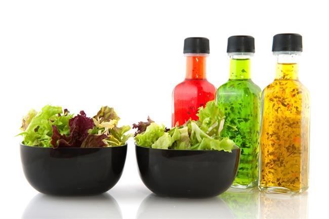 Salata sosu:    Tatlı salata sosları yaklaşık 5-7 gram şeker içerir. Bunun yerine yaklaşık 1 gram şeker içeren ev yapımı sirke ve yağ sosu karışımını kullanmak doğru bir tercih olacaktır.