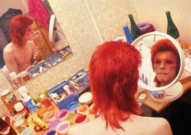 """12- EN İYİ SANAT YÖNETİMİ  David Bowie – """"Blackstar"""" (Yapım Tasarımcısı: Jan Houllevigue)"""