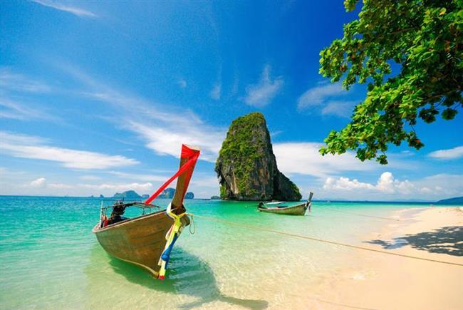 Krabi - Tayland  Denizi, kumu ve güneşi ayrı güzel Tayland'ın, en sevilen  yerlerinden biri de Krabi. Yazın keyfini henüz çıkaramamışlar veya yazdan vazgeçemeyenler için tam aradıkları adres!