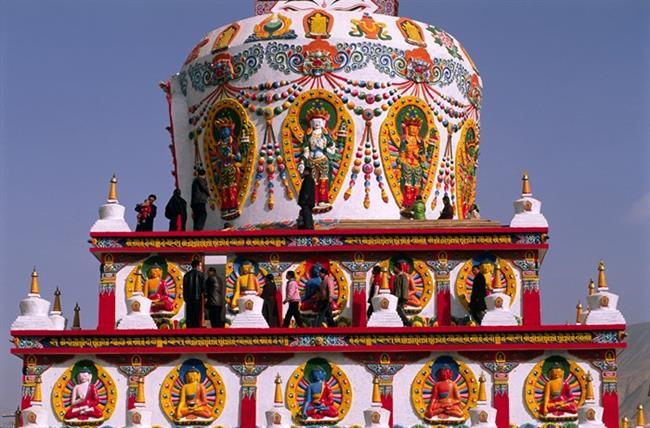 Tibet  Farklı kültürlerin, değişikliklerin peşinde olanları heyecanla kucaklayacak adres Tibet. Uzakdoğu'nun en gizli harikalarından biri olan Tibet maceracıların da ilgi odaklarından biri!