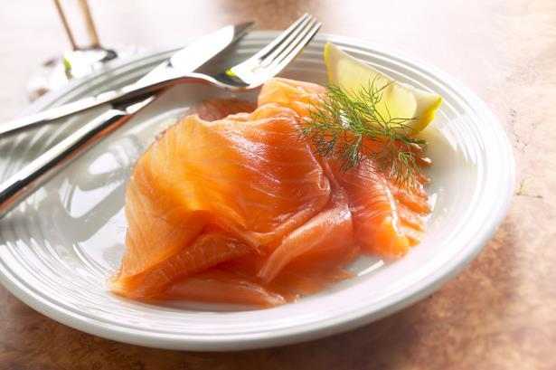Balık  Uzmanlara göre denizden gelen sağlık; balık. Bu değerli besinde bulunan Omega3 yağ asitleri bağışıklık siste mini güçlendirirken, beynin performansını artırıyor, konsantrasyonu güçlendirip unutkanlığı önlüyor. Kalpteki ritim bozukluklarını ve kan pıhtısı oluşma olasılığını azaltıyor. İyi kolesterolü yükseltirken, kötü kolesterolün ön maddesi olan trigliseridleri düşürüyor. Romatoitli hastalarda eklem şişliği ve hassasiyetini, sabah katılığını ve ağrıyı azaltıyor. Uzmanlar her gün bir porsiyon balık yemeyi öneriyorlar. Balıkta ayrıca B vitaminleri, kalsiyum, magnezyum, potasyum, fosfor, kükürt, demir, selenyum, bakır ve çinko bulunuyor.