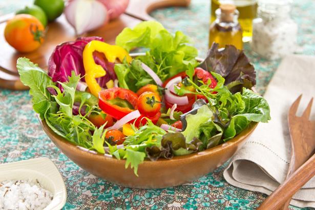 Ara öğün seçenekleri:  * Elma, havuç, üzüm karışımı meyve suyu * 1 salkım üzüm * 1 elma  Öğle seçenekleri:  * Izgara köfte, Sebzeli kepekli makarna, Ayran * Sebzeli kepekli makarna, şark usulü sebze salatası, üzümlü kıtır bohça * Izgara hindi, Şark usulü sebze salatası, 1 küçük kase yoğurt