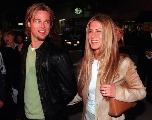 Pitt ise 2000 yılında evlendiği aktris Jennifer Aniston'dan beş sene sonra boşanmıştı.