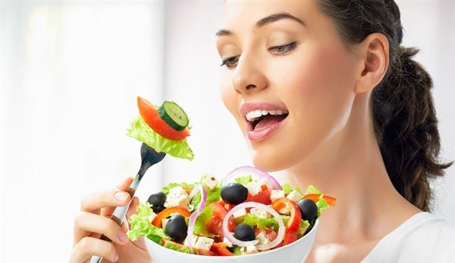 Hedef: :İki haftada 6 kilo.  Günlük kalori: 1300 Kcal Besin maddelerinin ayrıştırılmasına dayanan ünlü Montignac tarzı diyetlerden biri olan bu programla lezzetten ödün vermeyeceksiniz!