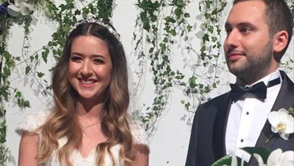 Acun Ilıcalı'nın ilk evliliğinden olan büyük kızı Banu Ilıcalı, dün akşam Swiss Otel'de gerçekleşen düğünle Efe Ceyhun ile evlendi.