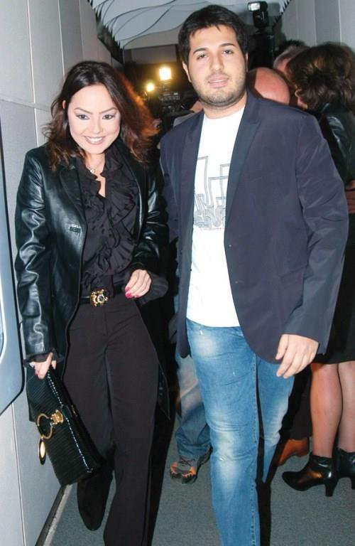 Boşanacaklarını açıklayan Ebru Gündeş ve Reza Zarrab'ın 2010 yılında evlilik sözleşmesi yaptığı ve mal paylaşımında bulunmayacakları ortaya çıktı.
