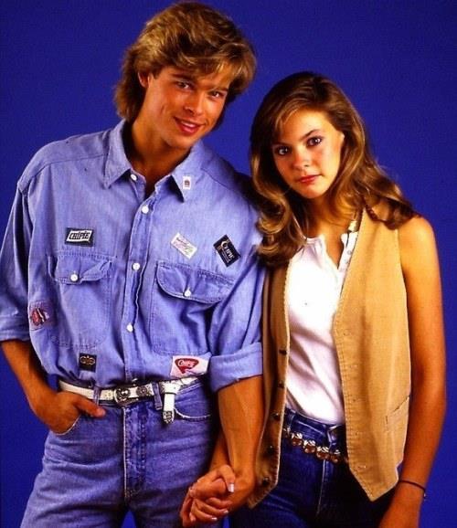 87 yılının Dallas'ındayız. O zamanlar 24 yaşında olan Brad Pitt, 15 yaşındaki rol arkadaşı Shalane McCall ile kısa süreli bir aşk yaşadı. Shalane'in ekrandaki ilk öpücüğü de Brad Pitt ile oldu.