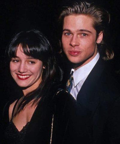 1989'da korku filmi Cutting Class'ın setinde tanışan Jill Schoelen ve Brad Pitt, ilişki yaşamaya başladılar. İşler ciddileşince evlilik kararı alan çift, 3 ay boyunca nişanlı kaldılar.  Ne yazık ki bu ilişki de Brad'in terk edilmesiyle son buldu. Oynadığı bir sonraki filmin yönetmeniyle aşk yaşamaya başlayan Jill, Brad'i terk etti.