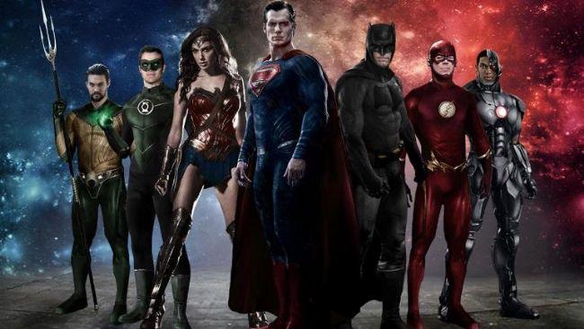 """Justice League  DC öykü evrenini kapsamlı bir biçimde perdeye yansıtma projesinin en önemli ayaklarından biri olan Justice League, çizgi serideki en önemli kahramanları bir araya getiriyor. Superman'in fedakarlıklarından ilham alan Batman'in insanlığa olan inancı toparlanmıştır. Yeni müttefiki Wonder Woman ile insanlığın kaderi için savaşmaya hazırlardır. Ancak karşılarına çıkan yeni tehditin büyüklüğü karşısında kendilerini süper güçlü bir takım toplamak için çok kısa bir süreleri kalmış bir halde bulurlar. Ancak bu süper kahraman ekibi dünyayı kurtarmak için yeterli olacak mıdır? Batman, Superman, Wonder Woman, Flash ve Aquaman gibi DC evreninin süper """"yıldızlarını"""" bir araya getren filmin yönetmen koltuğunda, çizgi uyarlamalar konusunda uzman kabul edebileceğimiz Zack Snyder oturuyor."""