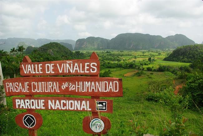 Gerçek Küba'yı mı arıyorsunuz? Buldunuz: Viñales  Vadisi, köyleri, evleri, dünyaca ünlü puroların yapıldığı tütün tarlaları ile göz alıcı bir şehir. Bir bisiklet kiralayarak tüm şehri gezebilir, Küba'nın geleneksel tarihini öğrenebilirsiniz.