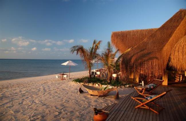 Tatil için ziyaret edilmesi gereken yer: Mozambik  Afrika'da bulunan Mozambik'in başkenti Maputo aynı zamanda en kalabalık şehridir. Safari alanlarına, farklı sahillere ve sörf için ideal plajlara sahip ülke, tatil için keşfedilmesi gereken yerlerden birisi.