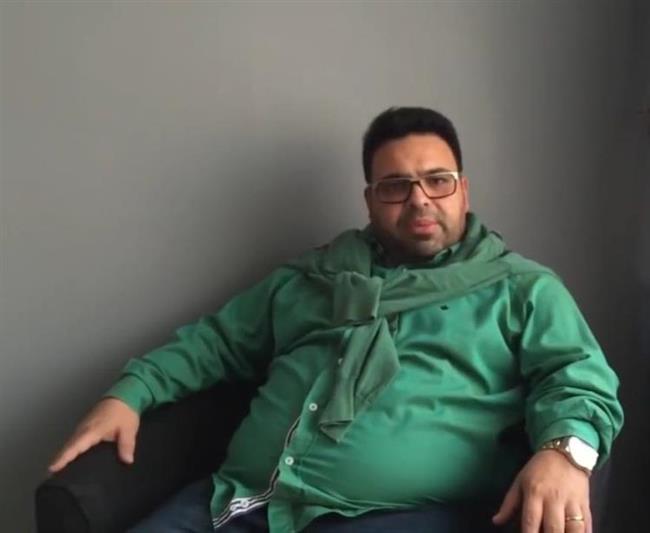 Oldukça zayıfladığı görülen Okan Karacan, geçirdiği mide ameliyatı sonrası bir yılda 60 kilo verdiğini söyledi.