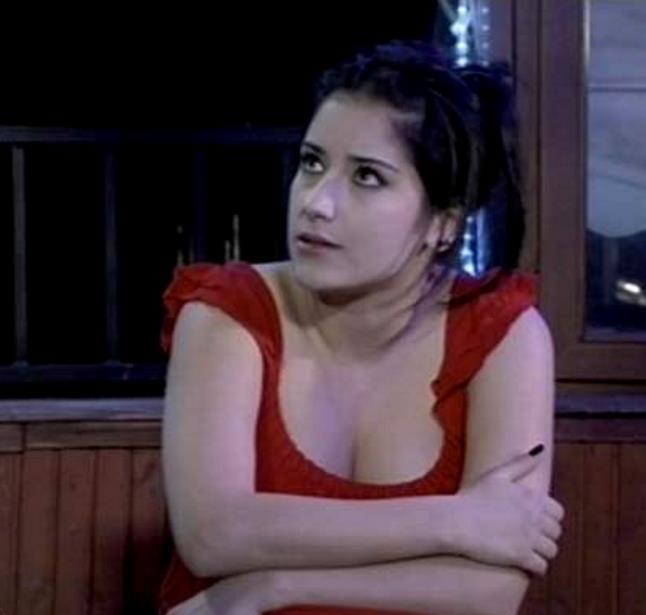 Bir dönem aldığı kilolar ile gündeme gelen oyuncu Hazal Kaya'nın son hali dikkat çekti!