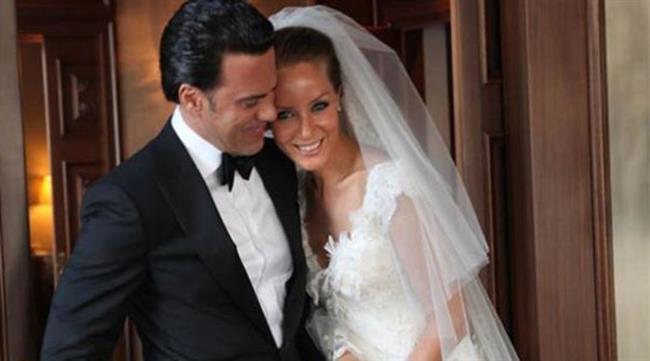 Bade İşçil ve Malkoç Süalp  Bade İşcil, büyük bir aşkla evlendiği eşi Malkoç Süalp'e 'şiddetli geçimsizlik' nedeni ile boşanma davası açtı. Çiftin davası henüz karara bağlanmadı.