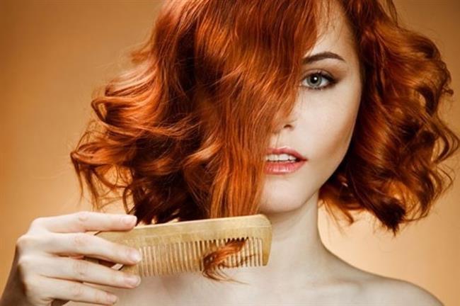 Elektriklenen Saçlar  Biraz elektriklenen saçlar daha hacimli durabilir. Ama saçlarınız kontrol edilemeyecek kadar kabarıyorsa banyoda kullanacağınız saç kremi ve maskeler daha düzgün görünüm sağlar. Sabah kalktığınızda elektriklenmiş saçlarla karşılaşıyorsanız tarağınıza biraz saç spreyi sıkıp yatıştırabilirsiniz.
