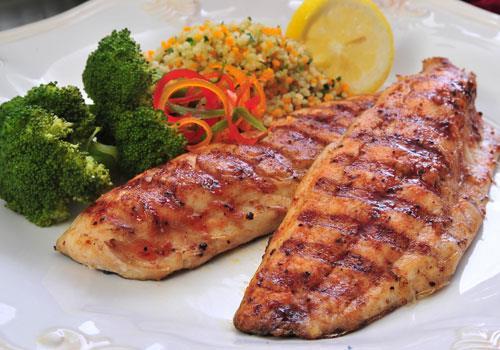 Uskumru  Uskumru et ve balık cinsi tüm gıdalar gibi protein deposudur.