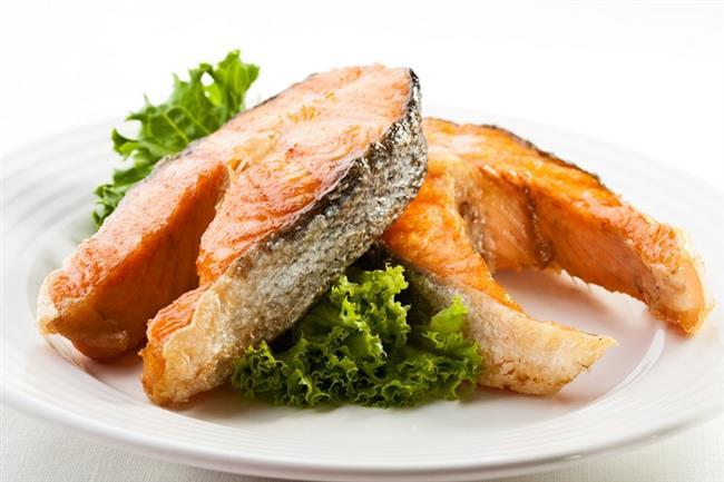 Yüksek kalsiyum  Kalsiyum ve D vitamini birbirlerinin emilimlerini olumlu yönde etkiliyor. Balıklar doğal olarak D vitamini içeriyor. Bu nedenle balıklardan alacağınız kalsiyum değerli. Sardalya, somon, uskumru, hamsi, morino, turna, ringa ile levrek kalsiyumdan zengin balıklar arasındadır.