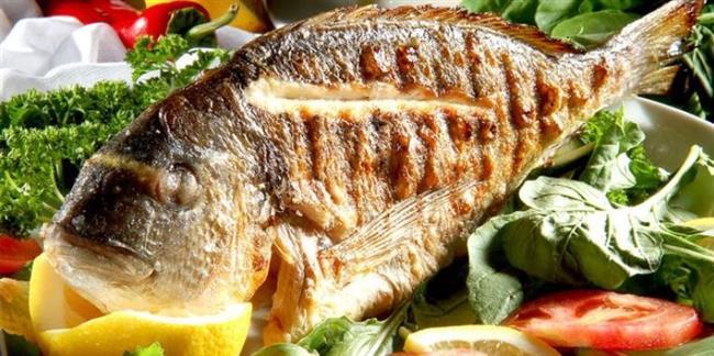 Soslamayın  Balık tek başına lezzetli bir besindir. Şekerli, kremalı, soyalı soslar yerine limonlu ve sebzeli garniler ile birlikte fırın poşetinde pişireceğiniz balıklar daha sağlıklı ve lezzetli olur.