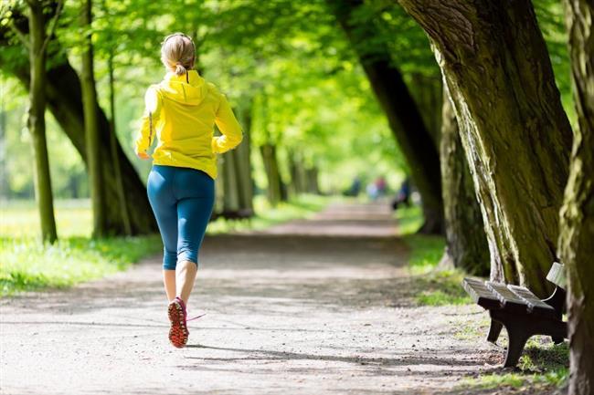 3.  Sabah saatlerini tercih edin  Yürüyüş, aslında günün her saatinde yapılabiliyor. Ancak sabah yapılan yürüyüşlerin vücut metabolizmasının hızlanmasında, dolayısıyla yağ yakımı üzerinde daha etkili olduğuna dair çalışmalar var.