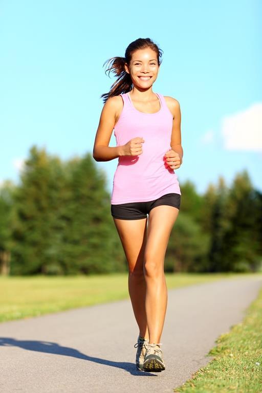 11. Yürüme süreniz en az 30 dakika olsun  Günlük yürüme süresi 30-60 dakika arasında olmalı. Haftada en az 3 gün, ideali 5 gün yürümeniz. Uzun süreli ve dinlenme periyodu yetersiz yürüyüşlerde vücudunuzun zarar görme ve yaralanma riskinin olduğunu unutmayın.