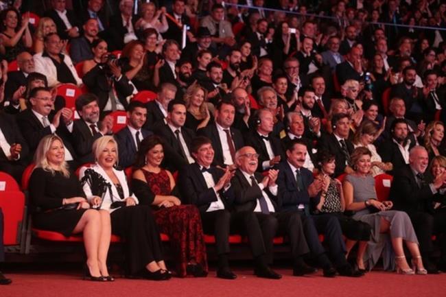 53'üncü Uluslararası Antalya Film Festivali başladı. Festivalin açılış törenine Kültür ve Turizm Bakanı Nabi Avcı, Gıda, Tarım ve Hayvancılık Bakanı Faruk Çelik, sanat dünyasından çok sayıda davetli katıldı.