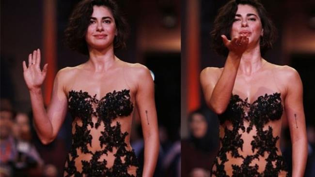 53.'sü düzenlenen Antalya Film Festivali start aldı. Onur ödüllerinin verildiği gecede oyuncu Nesrin Cavadzade'nin giydiği kıyafet damga vurdu.
