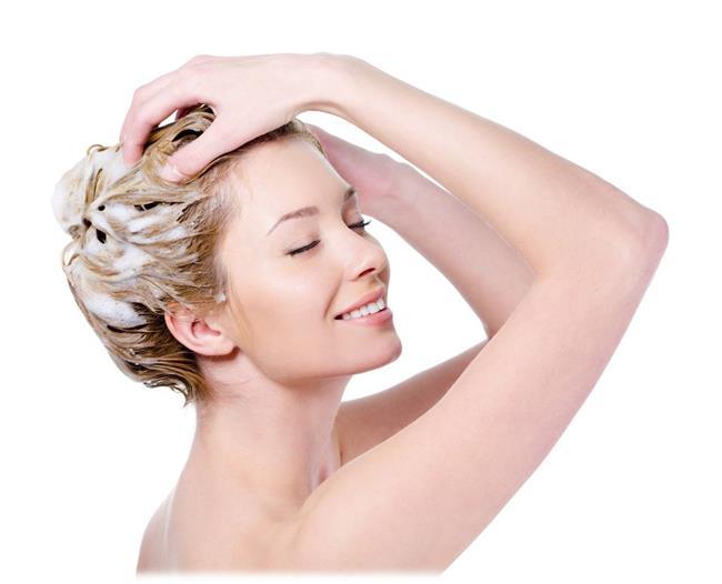 Saçınızı her gün yıkamamaya çalışın. Her gün yıkamak demek her gün kurutmak demektir ve bu da kırıklara yol açabilir.