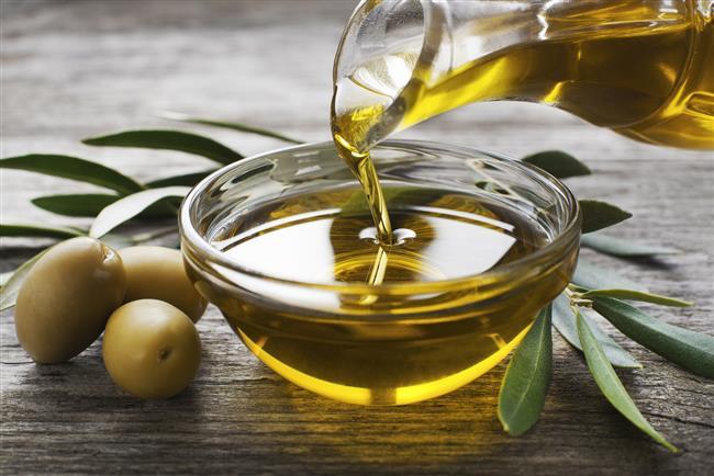 Zeytinyağı  Çiğ olarak kullanıldığında besinlerin midede kalma süresini azaltıyor ve yağların sindirimi için safra salgısını artırıyor.
