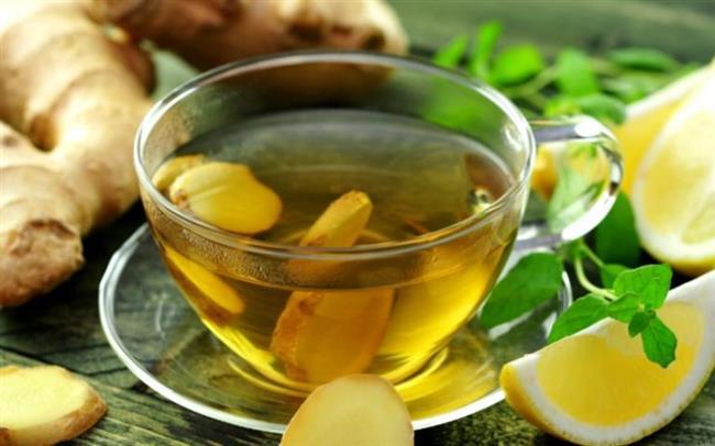 Çay-kahve yerine bitki çayı  Düzenli sıvı tüketimi metabolizmanın düzgün çalışabilmesi ve toksik maddelerin atılması açısından oldukça önemli. Sıvı tüketimini artırmak için ise siyah çay ve kahve gibi vücutta di-üretik etkisi olan içecekler yerine bitki çayları tercih etmelisiniz. Özellikle ıhlamur, rezene, adaçayı, nane, zencefil, kuşburnu gibi gribe karşı destekleyici olan bitki çaylarını, kış boyunca bardaklarınızdan eksik etmeyin. Hem hastalıklarla karşı vücut direnciniz gelişir hem de hastalığa yakalansanız da iyileşme süreciniz kısalır.