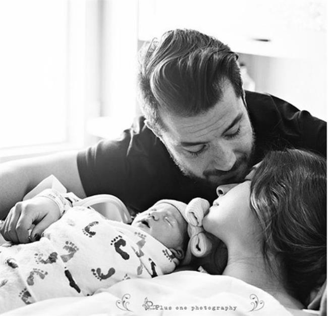 Minik bebeğin ilk fotoğrafını Instagram sayfasında paylaşan Buse Terim duygusal bir de not yayınladı.