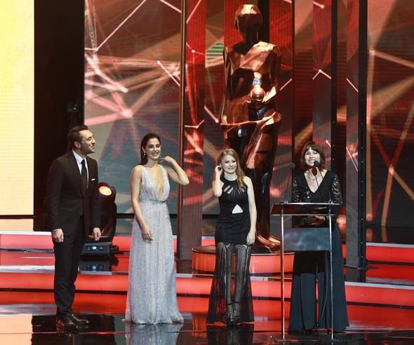 Uluslararası yarışma ödülünde en iyi film 'Tereddüt' oldu. Ödülü yönetmen Yeşim Ustaoğlu film oyuncularıyla birlikte aldı.